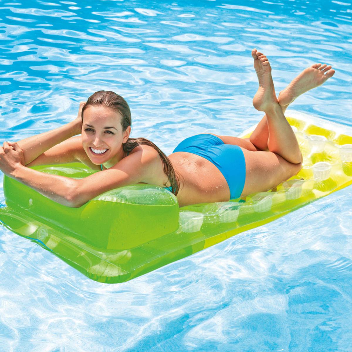 Intex pocket fashion lounge green mattresses splash super center for Intex swim centre family lounge pool cover
